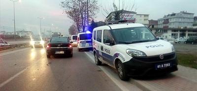 Derince'de Polis aracı yaya kadına çarptı!