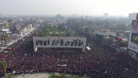 1 MİLYON KİŞİ PROTESTO İÇİN MEYDANLARA İNİYOR