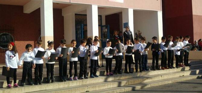 Karamürsel'de 72 öğrenci hastanelik oldu
