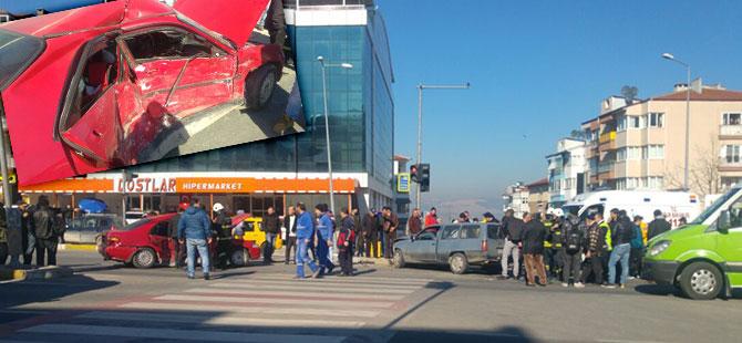 Karamürsel'de trafik kazası: 3 yaralı