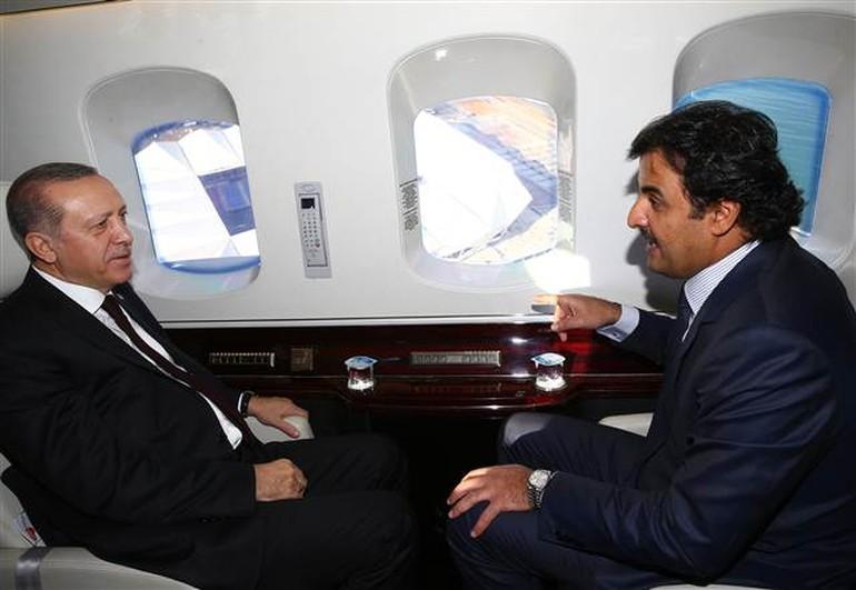 Katar ve Türkiye arasında imzalar atıldı